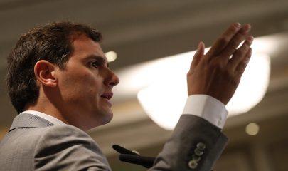 GRA027 MADRID, 06/06/2016.- El presidente de Ciudadanos, Albert Rivera, durante su intervención en El Ágora de El Economista, un foro empresarial ante el que desgrana las líneas generales de su programa para las elecciones del 26J. EFE/Javier Lizón