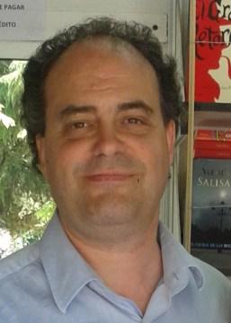 En la imagen Moisés Ruiz, autor de Un lugar en el Interior