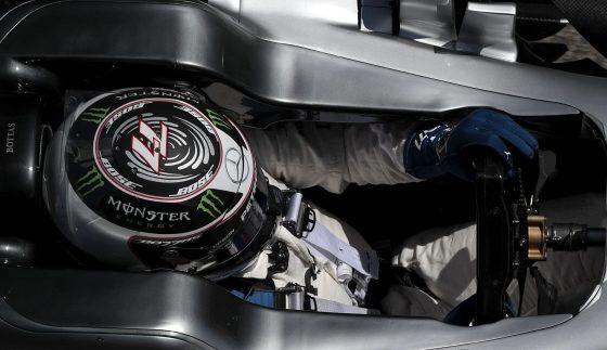 GRA350. MONTMELÓ (BARCELONA), 12/05/2017.- El piloto finlandés de Mercedes, Valtteri Bottas, durante los segundos entrenamientos libres del GP de España de F1 que se disputa en el circuito de Barcelona-Catalunya. EFE/Alberto Estévez