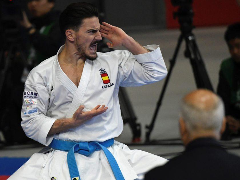 El español Damián Quintero, número dos del mundo en la disciplina de katas, debutó en los Mundiales de kárate de Madrid con una victoria clara, 5-0, sobre el mexicano Waldo Ramírez, 85 en la clasificación mundial