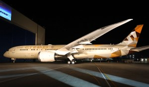 Boeing rolls out Etihad's first 787-9 Dreamliner