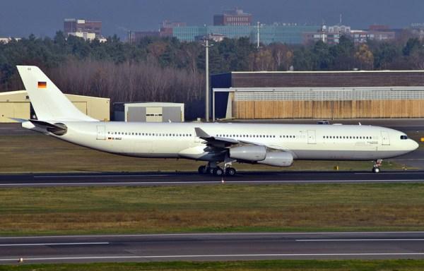 """Airbus A340 D-AIGZ """"Robert Koch"""" (© B.Lähn)"""