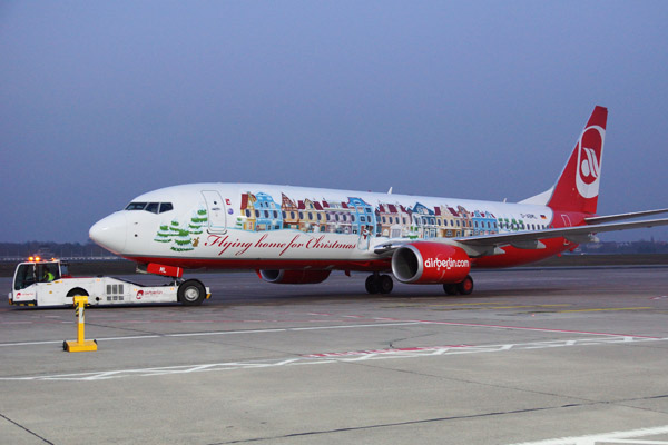 Air Berlin's Christmas aircraft 2014 (© O. Pritzkow)