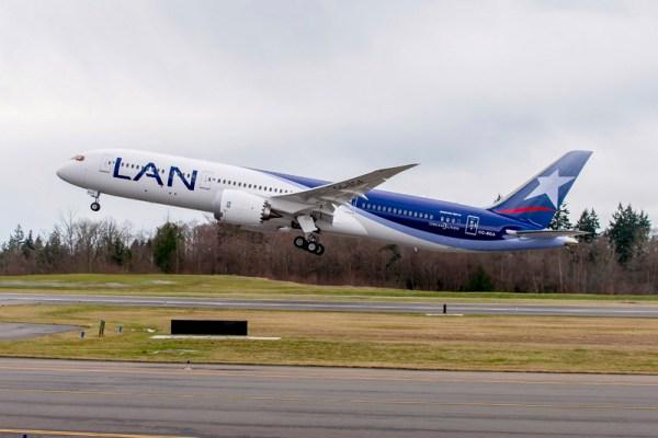 LAN Airlines Boeing 787-9 Dreamliner