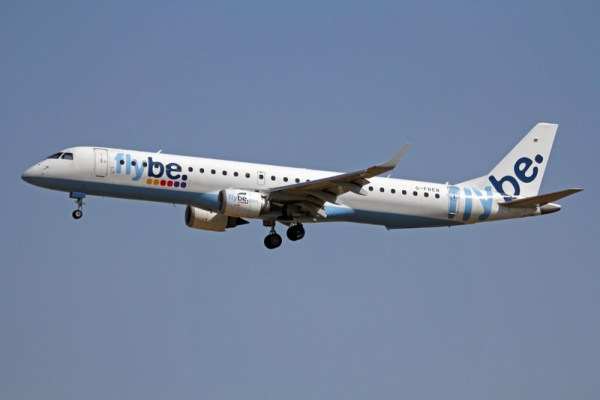 Flybe Embraer 195 (CC BY-SA 3.0 K.Fielding)