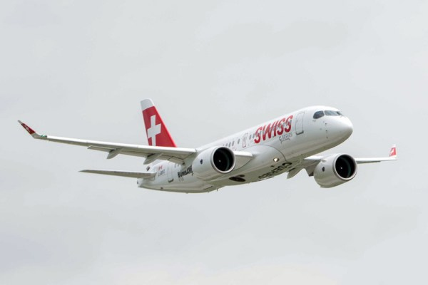 Bombardier CS100 in the livery of SWISS (© Bombardier)