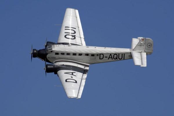 Junkers Ju52/3m der Lufthansa Stiftung im Flug (© O. Pritzkow)