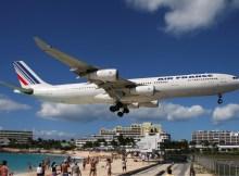 Air France A340-300 im Endanflug auf St. Martin (GNU 1.2 T. Breidenstein)