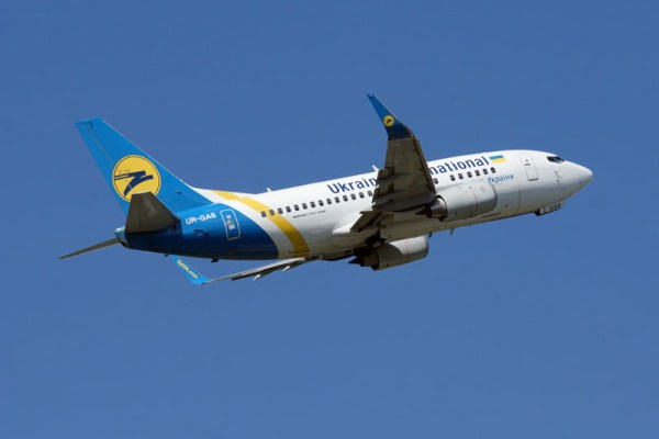 Ukraine International Boeing 737-500 (© O. Pritzkow)