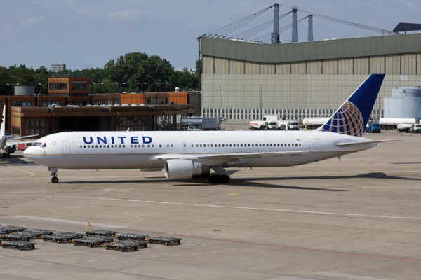 Boeing 767-300ER der United (© O. Pritzkow)