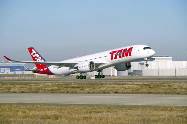 Start eines Airbus A350 XWB der TAM Airlines (© Airbus/ P. Pigeyre)