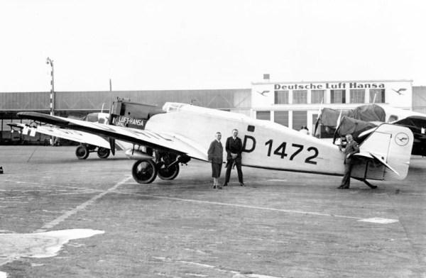 """Die Sibirienflieger v. Schröder, Albrecht und Eichentopf mit ihrem Flugzeug Junkers W33 D-1472 """"Ural"""" (© Lufthansa)"""