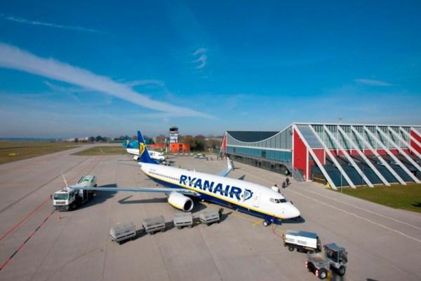 Flugzeuge der Ryanair am Allgäu Airport (© Flughafen Memmingen, V. Strohmaier)