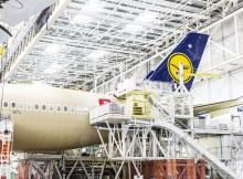Erster Lufthansa A350-900 in der Endmontagehalle (© LH/C. Engels)