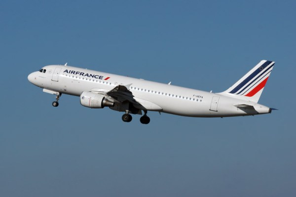 Start eines Airbus A320-200 der Air France (© O. Pritzkow)