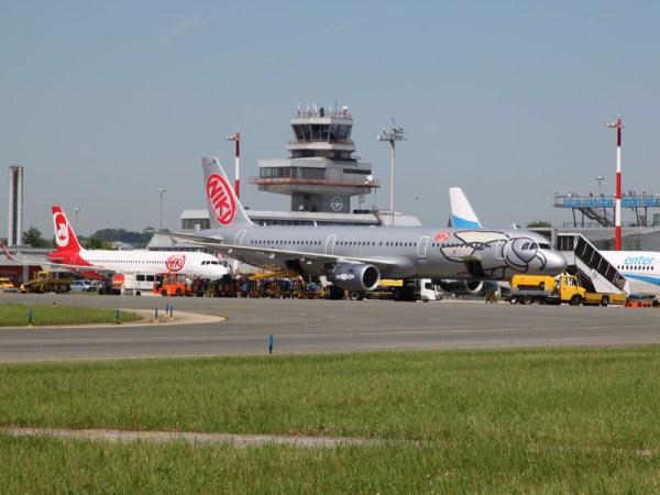 Niki am Flughafen Linz