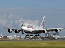 Airbus A380 der Qatar Airways in London-Heathrow (© Qatar Airways)