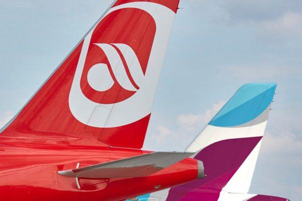 Leitwerke von Air Berlin und Eurowings (© Lufthansa)