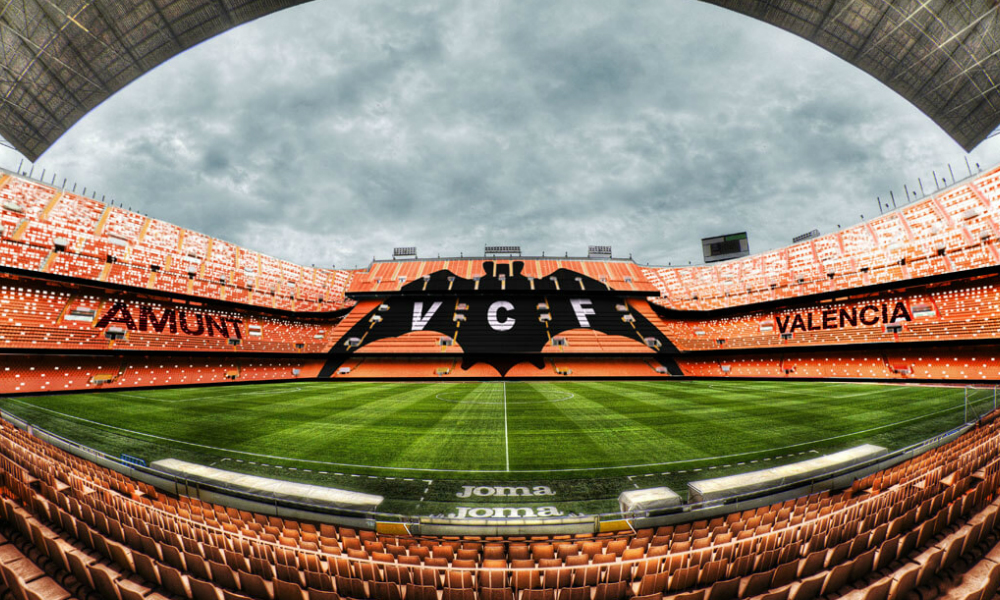 Valencia CF and bwin extend their betting sponsorship deal