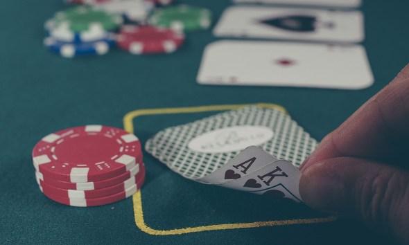 Blackjack or Pontoon? See Which You Prefer