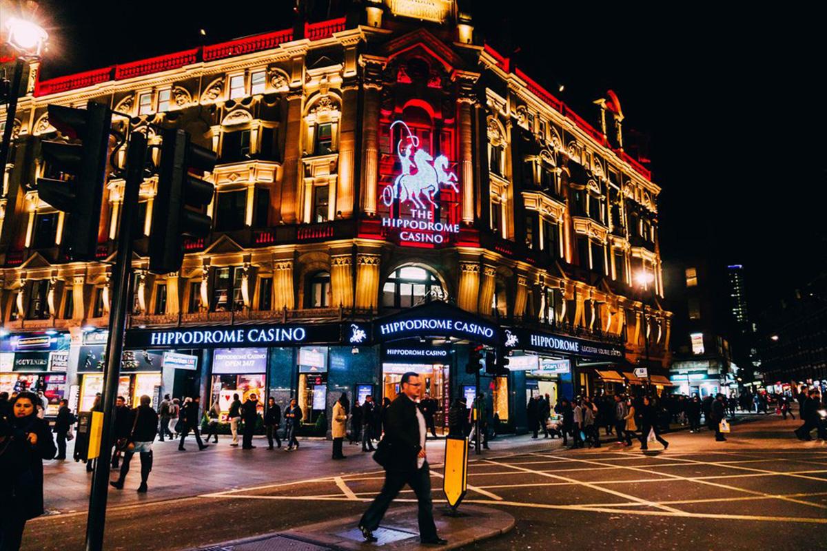 Kasino Inggris Mengusulkan Larangan Alkohol untuk Menghindari Penutupan