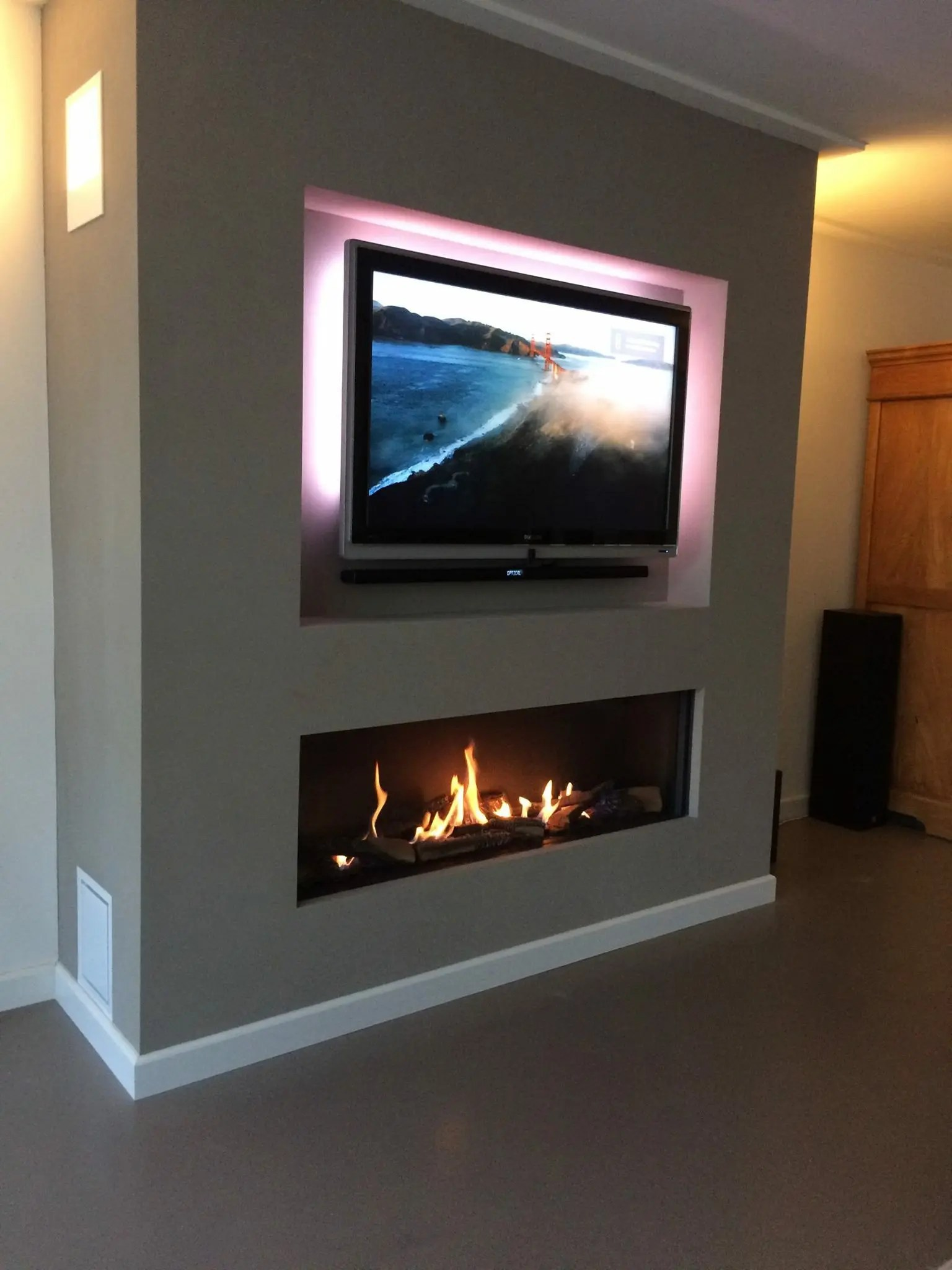 Modore 140 Element4 Direct Vent Gas Fireplace