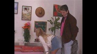 Godo solo con papa – 2007 – Italian porn