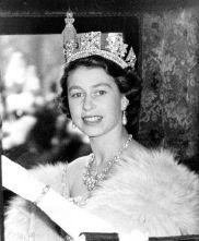 042115-ap-queen-elizabeth-18-img
