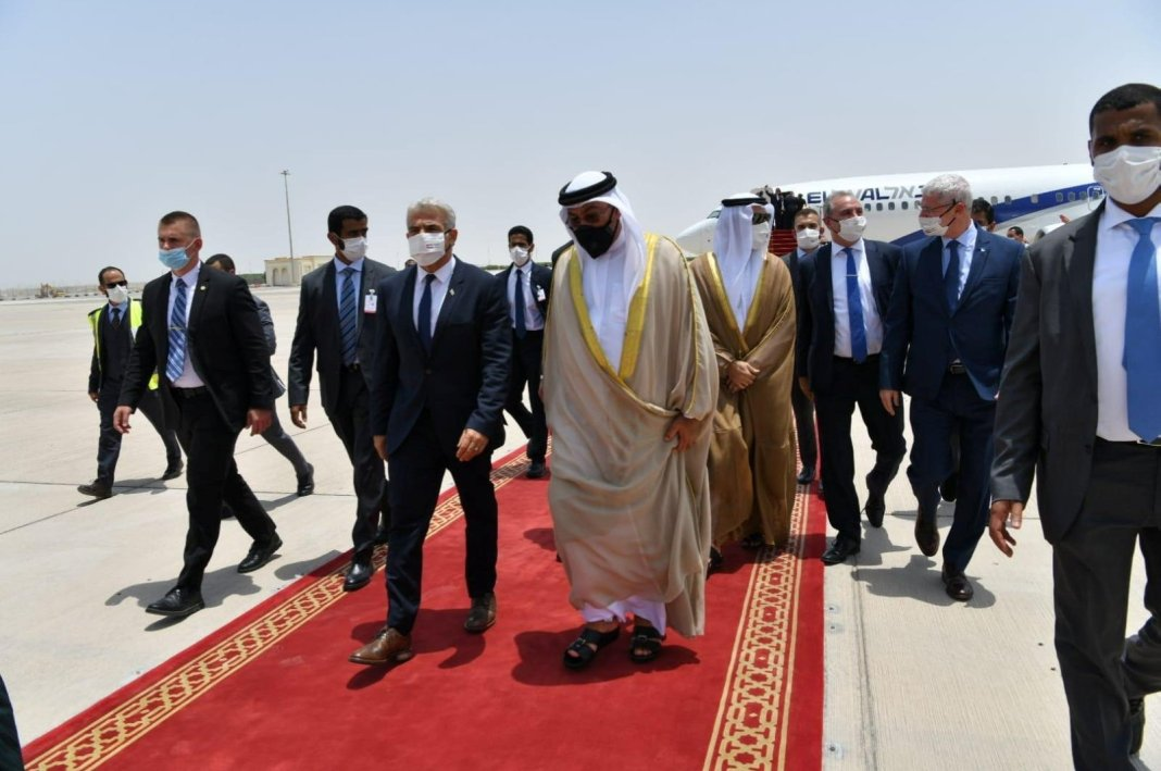 Israel FM Heads to UAE on First Official Visit