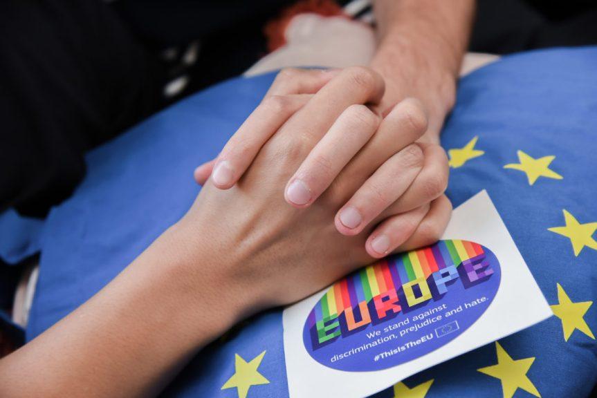 La Commission présente sa  stratégie en faveur de l'égalité des personnes LGBTIQ dans l'UE