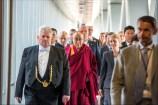 Ο 14ος Δαλάι Λάμα επισκέφτηκε, στις 15 Σεπτεμβρίου το Ευρωπαϊκό Κοινοβούλιο και συναντήθηκε με τον πρόεδρο Μάρτιν Σουλτς και τα μέλη της επιτροπής Εξωτερικών