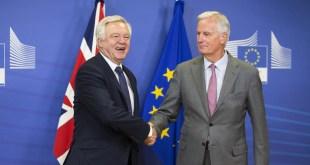 David Davis a Michel Barnier