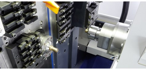 The machine has a wide machining area which is accessible from either side.