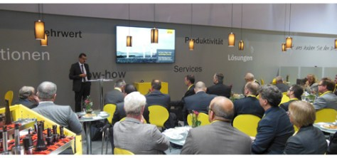 Presentation of the new tools on the Sandvik booth. There were many novelties unveiled, we will come back on those soon.