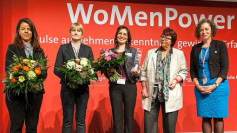 """Combined """"Womanpower"""" (right to left): Gabby Aitink-Kroes, winner of the 2014 career prize, panel of judges chairwoman Prof. Barbara Schwarze, prize-winner Dr Jelena Stojadinovic (Membrasenz) and finalists Agnes Bagsik (Arburg) and Dr Cynthia Morais Gomes (BIM)."""