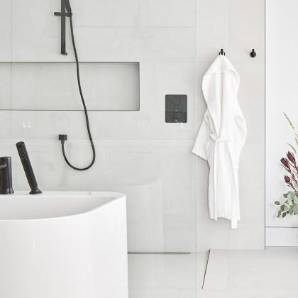 euro-tile-stone-chello-homes-bath-room-closeup
