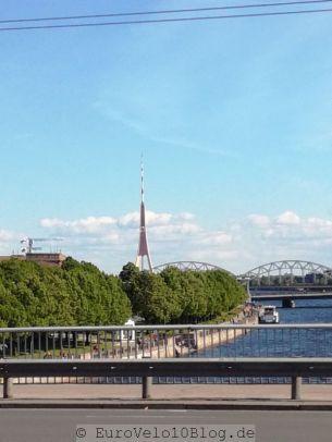 Der riesige Stahl... Fernsehturm