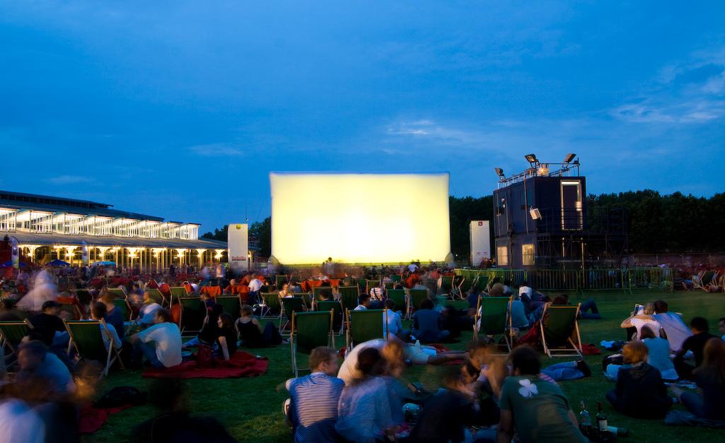 Cine gratis en el Parque de la Villette en París