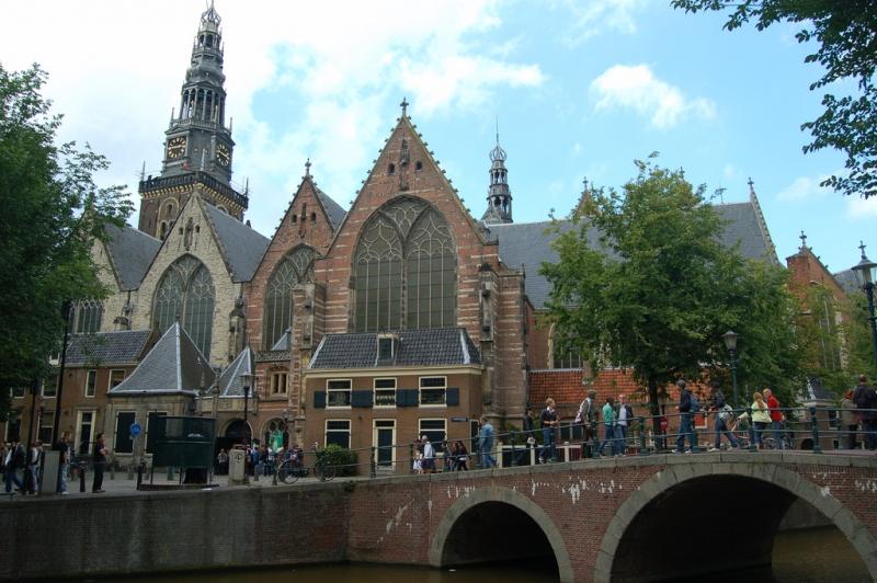 Iglesia Oude Kerk en Ámsterdam