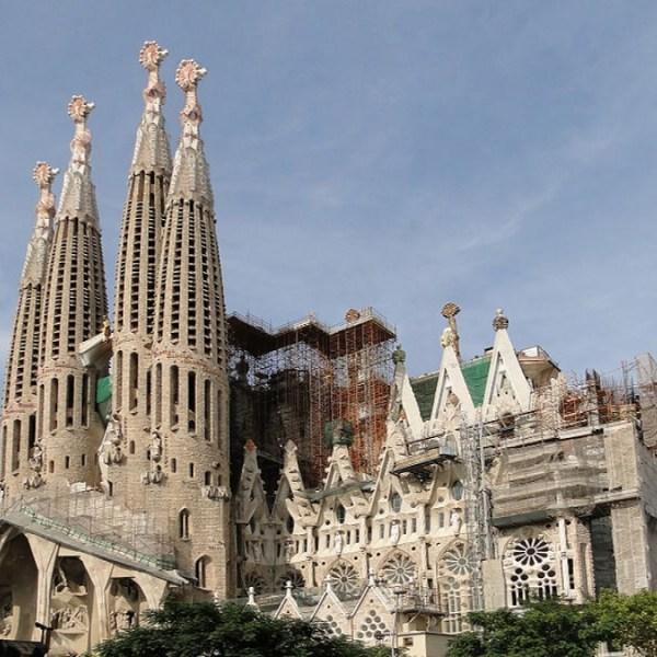Sagrada Familia en Time Lapse
