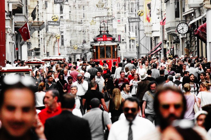 Multitudes en Estambul