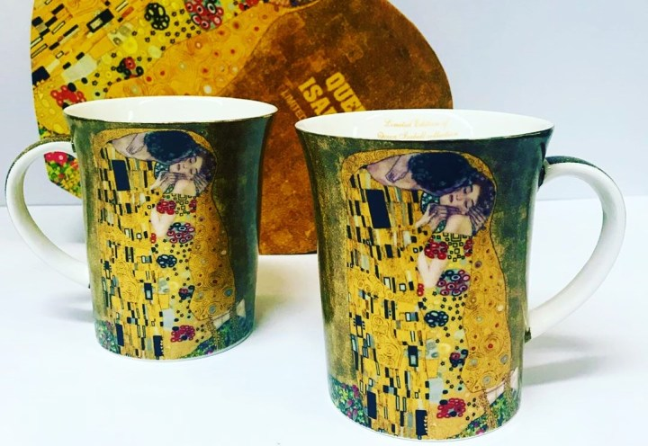 Porcelain coffee cups with Gustav Klimt's famous Kiss motive