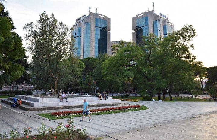 Bancos en Tirana, Albania