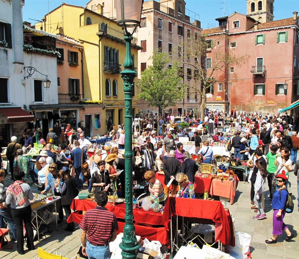 Market of Miracles in Venice