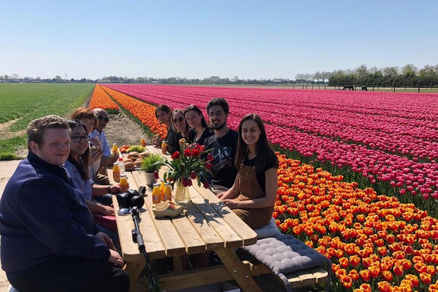Comida Holandesa en los Campos de Tulipanes - Foto de Tulip Tours Holland