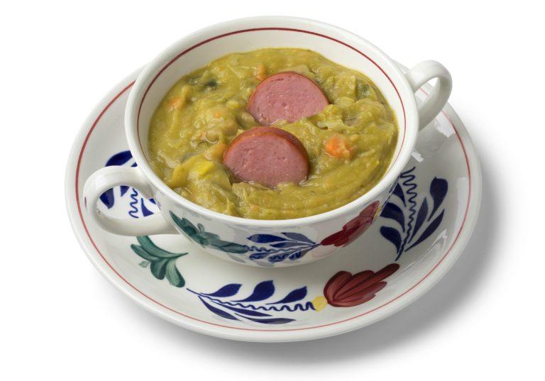 Erwtensoep o Snert - sopa de guisantes tradicional
