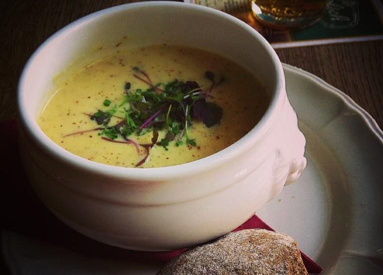Moesterdsoep, sopa de mostaza