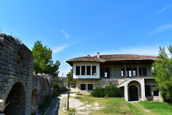 Iglesia de San Jorge en la ciudadela de Berat