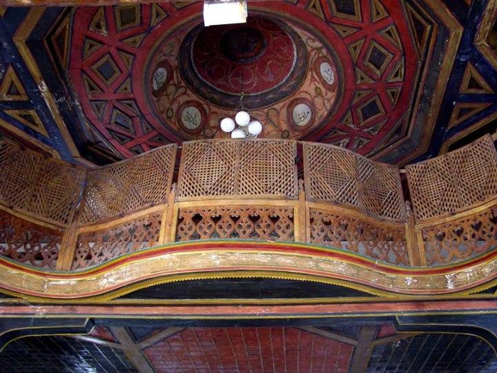 Interior de la mezquita del Rey en Berat