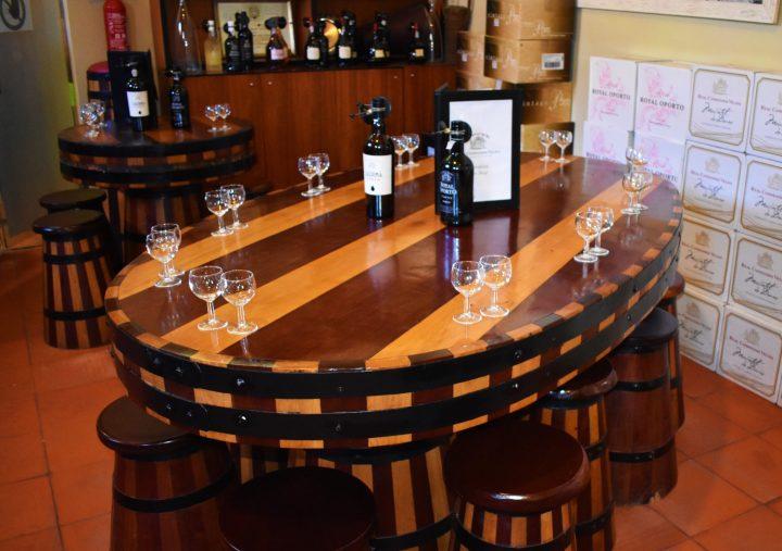 Port wine tasting in Real Companhia Velha in Gaia, Porto